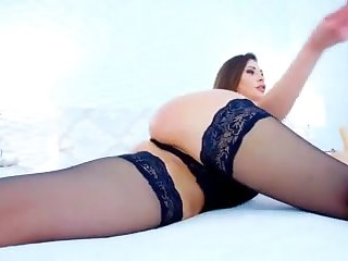 My horny wife loves to fuck her pussy live on webcam