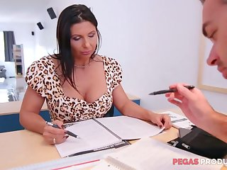 Lewd big racked slut Missy Gold wanna be fucked hard on the table