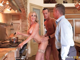 Hot cougar Brandi Love has fun with hunged lad Justin