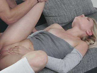 Sweet blonde Scarlett Knight and her handsome be ahead of have fun