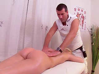 Hardcore oiled up canon pussy fuck be advantageous to light-complexioned babe Christine Sucra