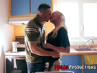 Blonde bitch Lyly Star takes cumshots on her gaped anal hole doggy style