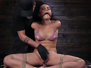 Dutiful girlfriend Roxanne Rae gives her self to the BDSM expert