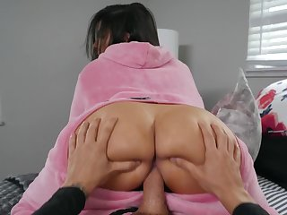 Big booty wife tries a new dick earn her warm butt hole