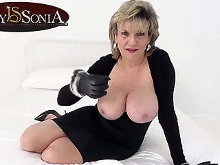 Lady Sonia wants you to wank to the fullest extent a finally staring at will not hear of tits