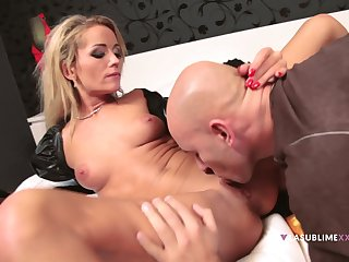 Hot blonde named Sunshine shares throughout of herself fro a guy