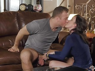 Jennifer White loses sexy skivvies while property dicked good