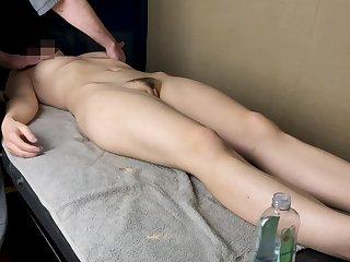 Massage Therapist Cum On Wifes Stomach (2/10)