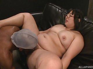 Chubby Asian pornstar Yurino Hana enjoys riding a unsparing diabolical dig up