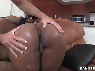 Hot ebony babe Layla Monroe sucking a hanker cock on hammer away floor